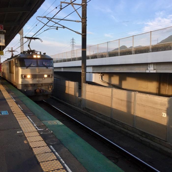 旅行の 始まりの朝  〔始発〕_d0105967_20104046.jpg