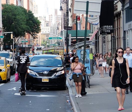 ニューヨークの街角で見かけた「七転び八起き」シャツ?!_b0007805_10503320.jpg