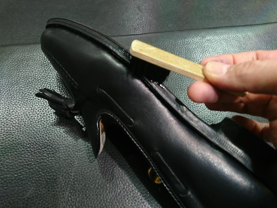 革靴のコバも専用クリームでお手入れできますよ!_b0226322_15044137.jpg
