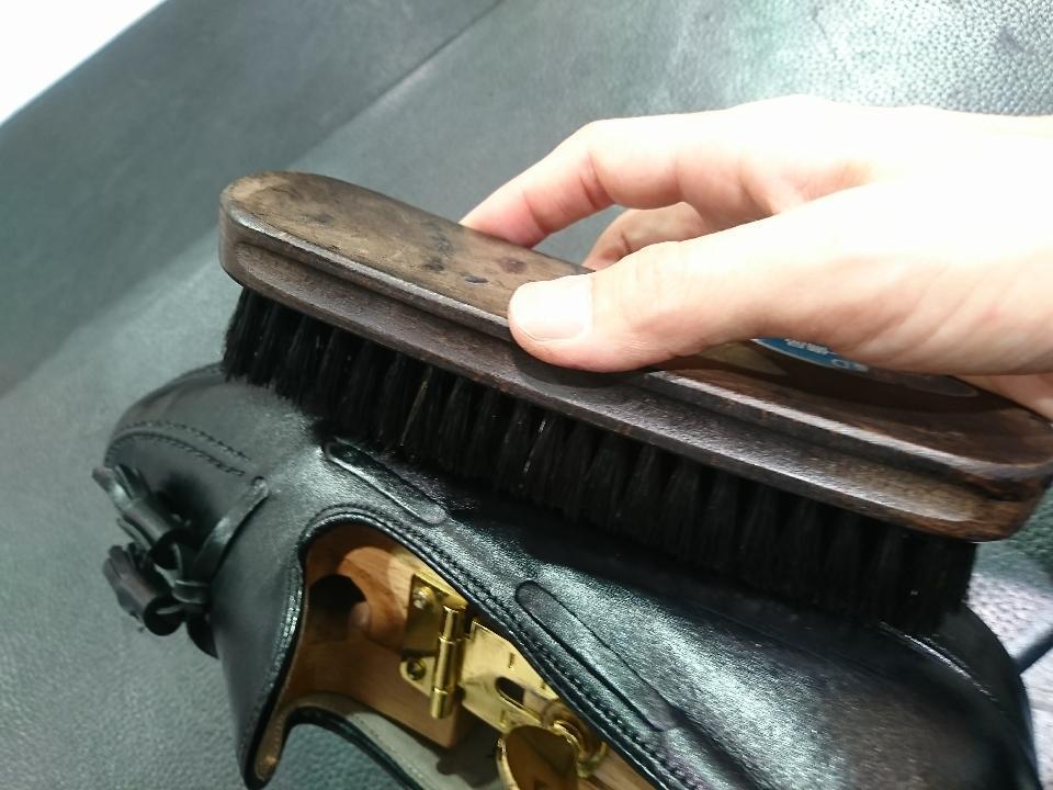 革靴のコバも専用クリームでお手入れできますよ!_b0226322_15044182.jpg