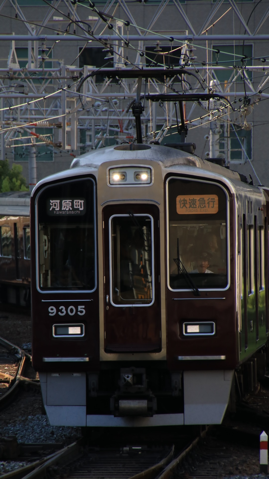 夕方の阪急京都線 _d0202264_21171195.jpg
