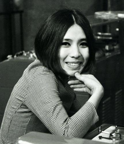 安井かずみ(1939~1994) : 有名人の墓巡り~昭和の著名人と出会う旅~