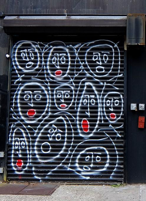 ニューヨークならではの隠れた名作アート「シャッターに描かれた絵」_b0007805_22342172.jpg