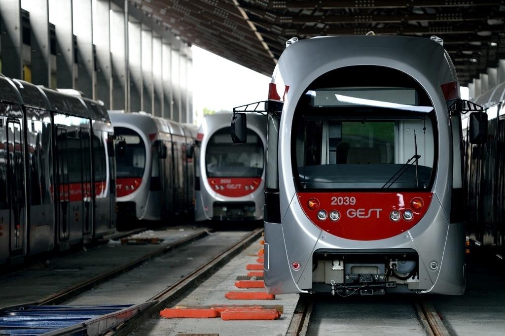 フィレンツェの新しいトラム路線と日本の技術_a0136671_03282941.jpg