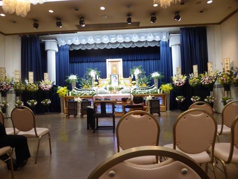 葬儀に参列_e0087201_18464932.jpg