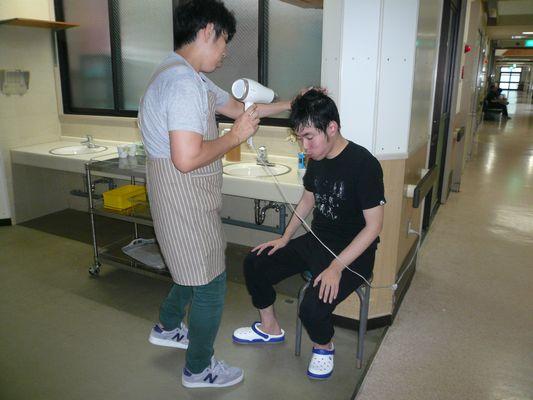 7/29 シーツ交換・入浴_a0154110_13382618.jpg