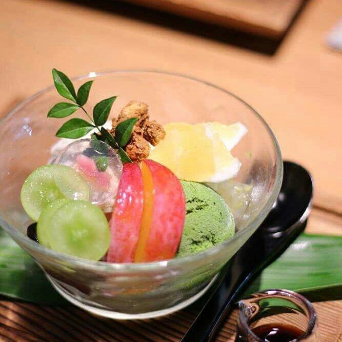 バケツで食べられそうなくらいおいしいアイス_c0199544_18574883.jpg