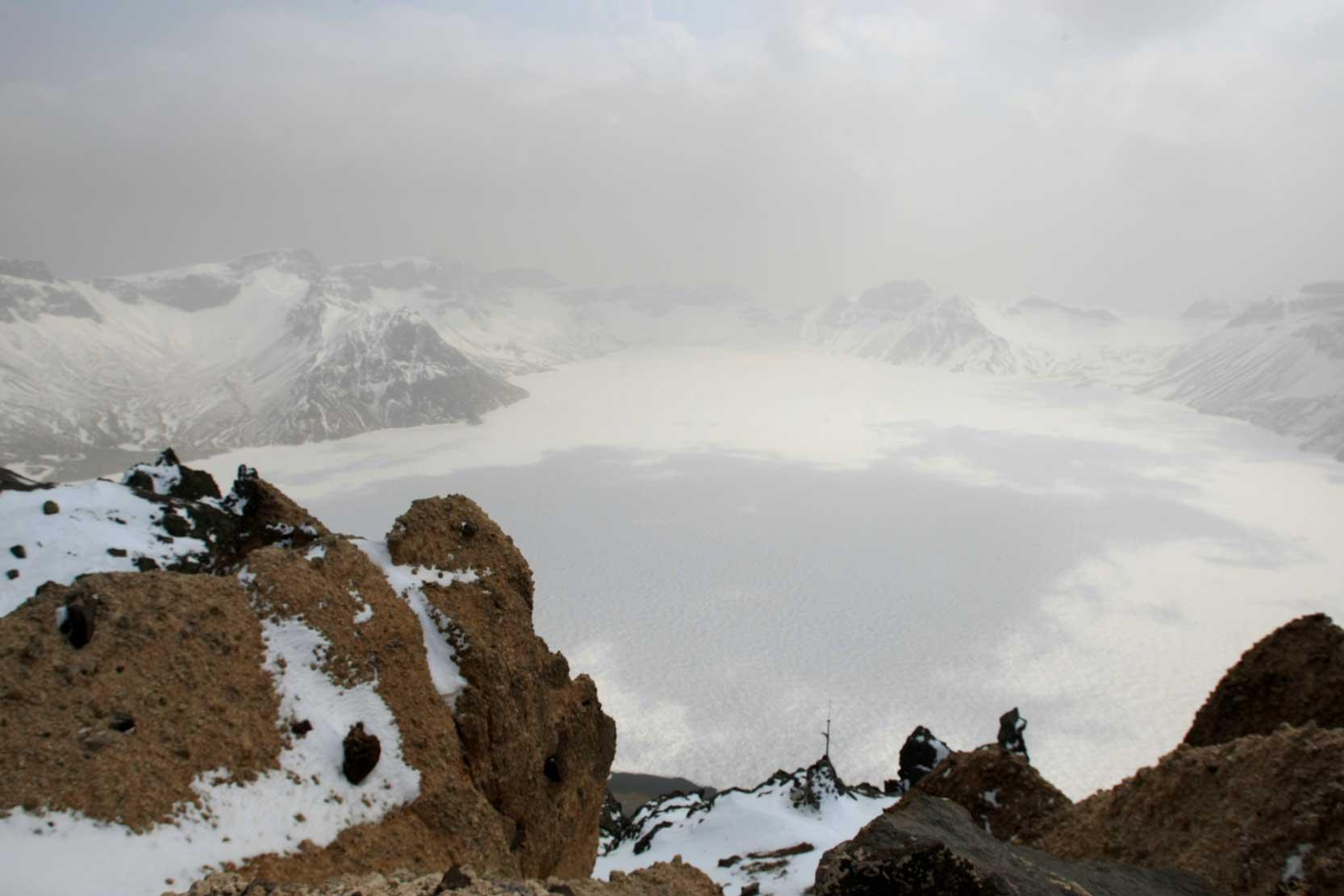 聖なる高原リゾート、長白山に登る_b0235153_13134076.jpg