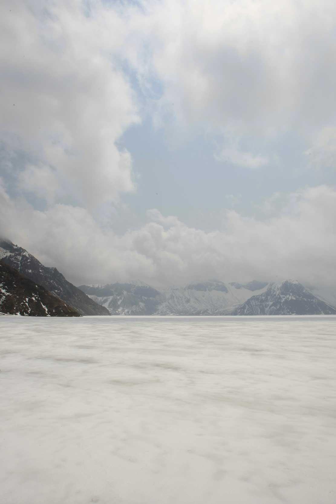 聖なる高原リゾート、長白山に登る_b0235153_1344812.jpg