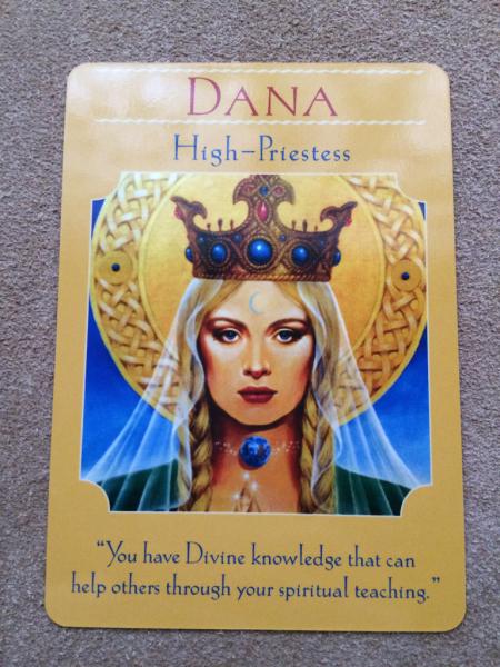 月曜のメッセージ:女神のガイダンス・オラクルカード:ダナ_f0362457_17152037.jpg
