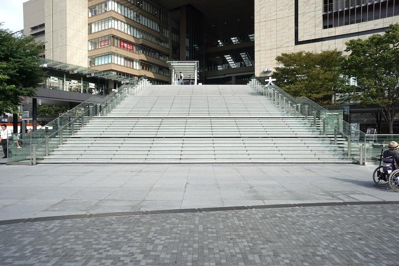 大階段_b0057679_09190193.jpg