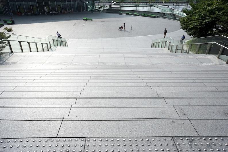大階段_b0057679_09191052.jpg