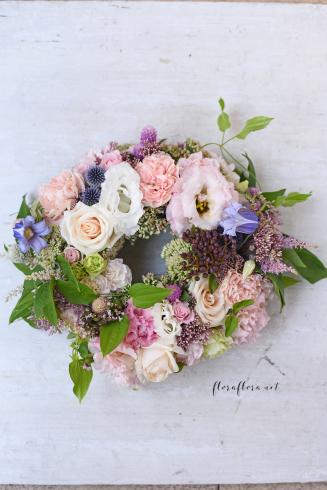 お花のサマーリース 7月のフローラフローラちいさな花の教室 * 東京目黒不動前フラワースクール_a0115684_21554314.jpg