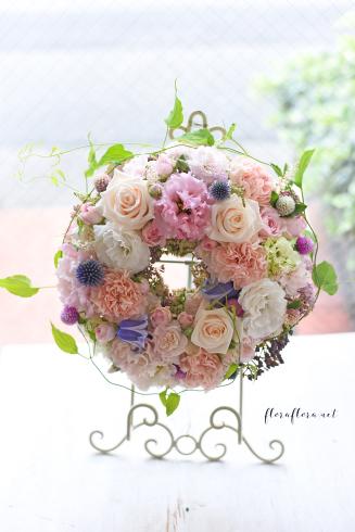 お花のサマーリース 7月のフローラフローラちいさな花の教室 * 東京目黒不動前フラワースクール_a0115684_21554850.jpg