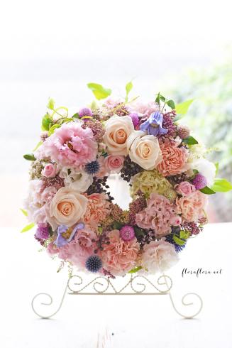 お花のサマーリース 7月のフローラフローラちいさな花の教室 * 東京目黒不動前フラワースクール_a0115684_21555000.jpg