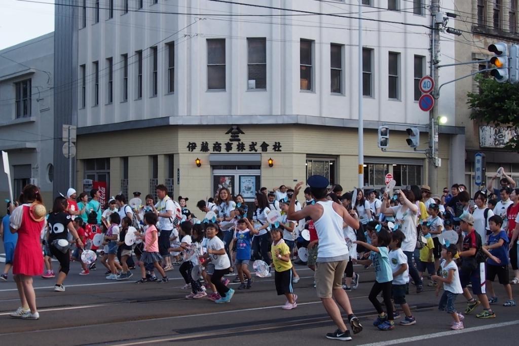 函館港まつり、わっしょいはこだて十字街大門コース。函館港おどり、子どもいか踊り、サマーカーニバル_b0106766_22205560.jpg
