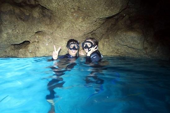 ケラマコースと青の洞窟、山田ポイントで潜りました!_a0156273_19524546.jpg