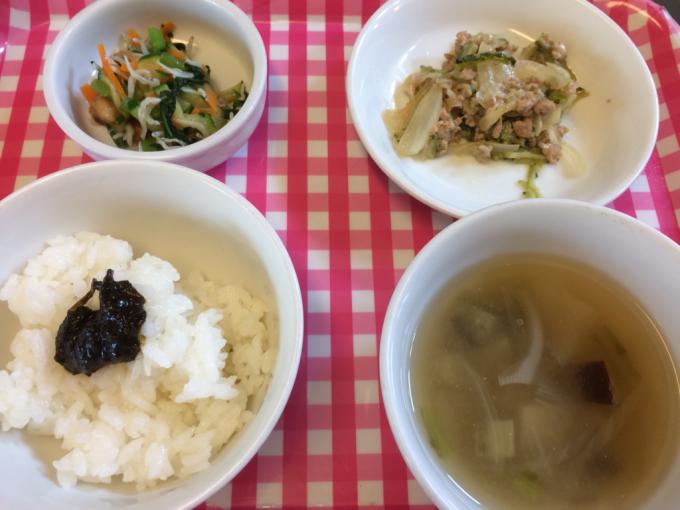 8月2日の給食と乳児クラスの食事の様子_c0293682_17104178.jpg