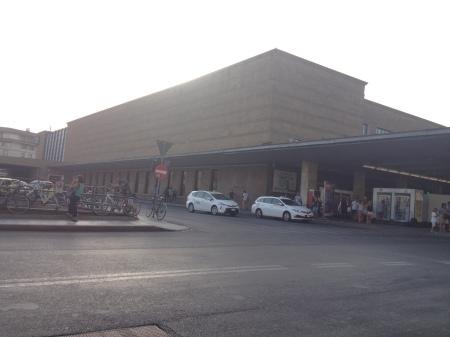 フィレンツェ中央駅も防犯のためローマやミラノのように!_a0136671_03271739.jpg