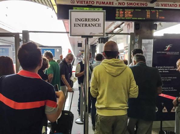 フィレンツェ中央駅も防犯のためローマやミラノのように!_a0136671_04103856.jpg