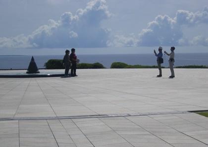戦争遺産が沖縄にはある_b0312424_7222014.jpg