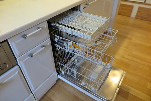 ★国産食洗機とミーレ食洗機の庫内容量は、これだけ差があります!_c0156359_1025165.jpg