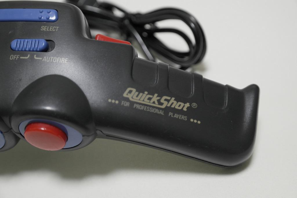 【レビュー】QuickShot Professional_c0004568_21531867.jpg