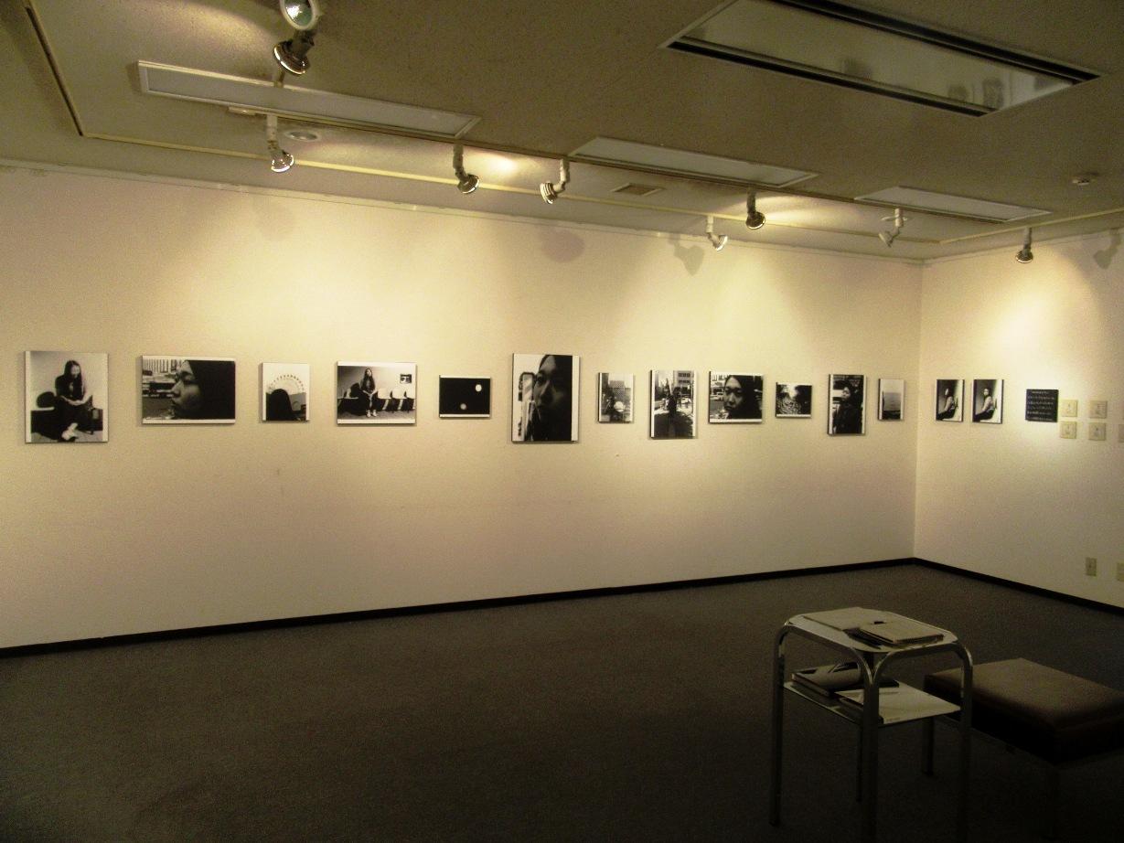 2569)②「『moment』 篠原 奈那子(藤女子大学4年)写真展」 アートスペース201 8月3日(木)~8月7日(火)_f0126829_11141532.jpg