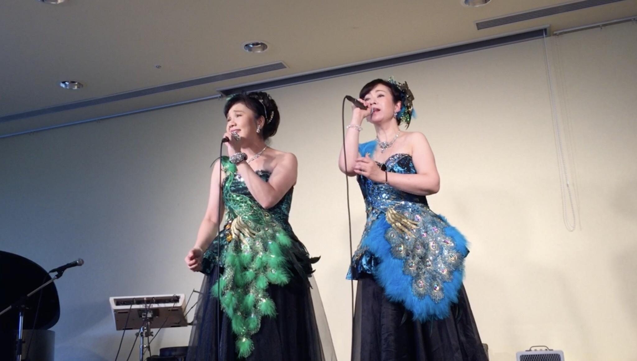 親睦会ライブ、無事に終わり、今度は観音姉妹のスペシャルライブです。_e0342933_09061562.jpg