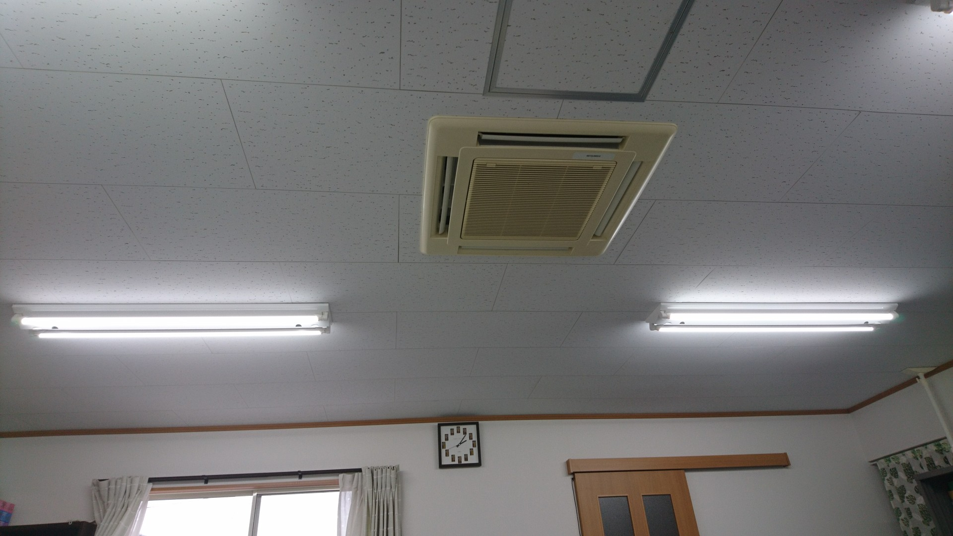 LED蛍光灯_e0124021_1452594.jpg