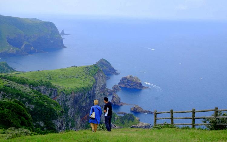 「ここは日本!?? 西ノ島の摩天崖へ行ってきました」_a0000029_15564375.jpg