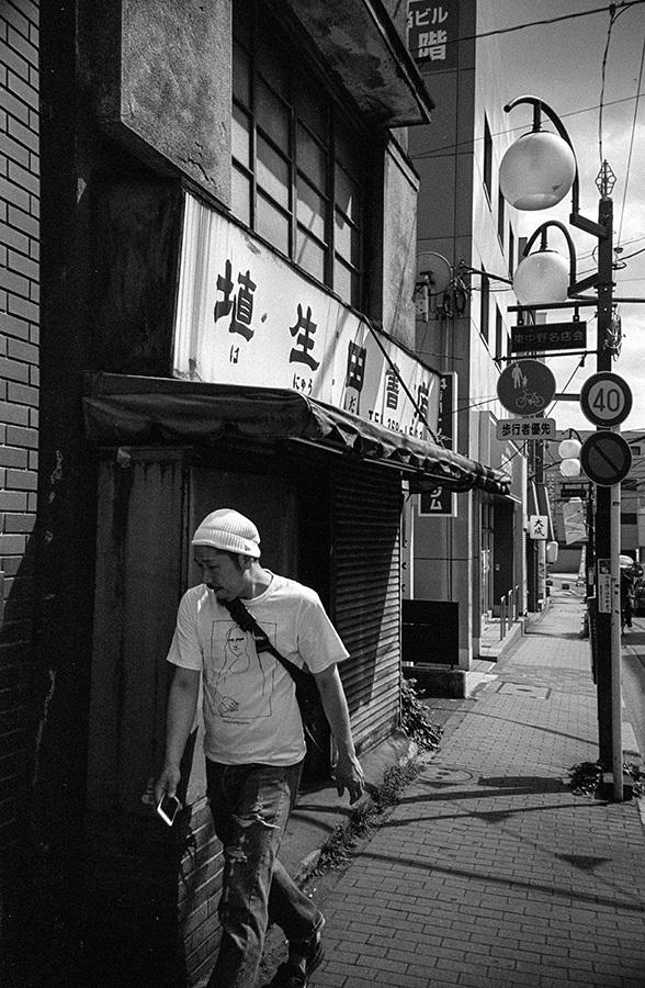 【21st Century Snapshotman 】35mm 2本勝負 ちょっとだけロモグラフィー 東中野ー中野ー新宿(2017 6/5)_c0035245_00145576.jpg