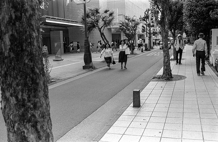 【21st Century Snapshotman 】35mm 2本勝負 ちょっとだけロモグラフィー 東中野ー中野ー新宿(2017 6/5)_c0035245_00564384.jpg