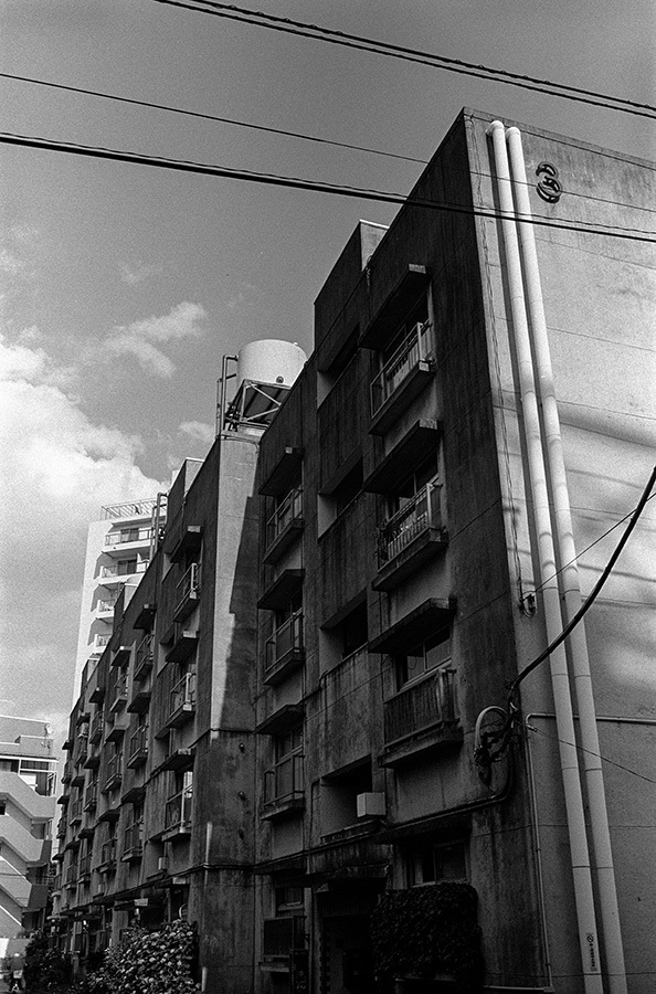 【21st Century Snapshotman 】35mm 2本勝負 ちょっとだけロモグラフィー 東中野ー中野ー新宿(2017 6/5)_c0035245_01012867.jpg