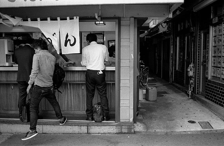 【21st Century Snapshotman 】35mm 2本勝負 ちょっとだけロモグラフィー 東中野ー中野ー新宿(2017 6/5)_c0035245_01084777.jpg