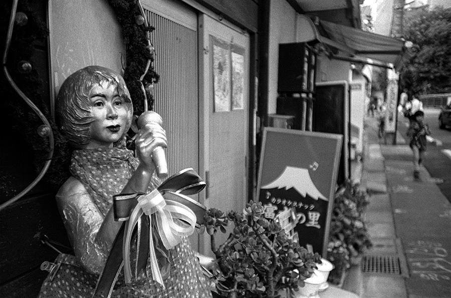 【21st Century Snapshotman 】35mm 2本勝負 ちょっとだけロモグラフィー 東中野ー中野ー新宿(2017 6/5)_c0035245_01161357.jpg