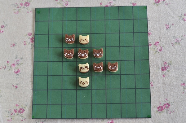 世界猫の日 猫オセロクッキー  Homemade Cat\'s Othello Cookies on International Cat Day_d0025294_13115489.jpg