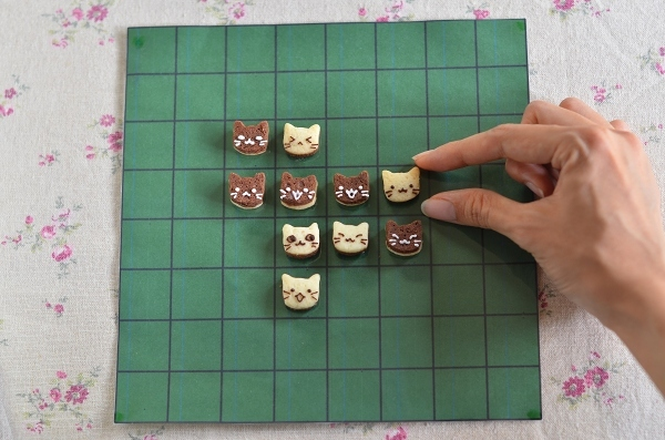 世界猫の日 猫オセロクッキー  Homemade Cat\'s Othello Cookies on International Cat Day_d0025294_13121713.jpg