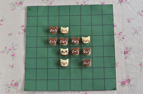 世界猫の日 猫オセロクッキー  Homemade Cat\'s Othello Cookies on International Cat Day_d0025294_13124814.jpg