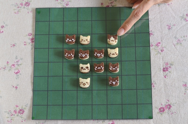 世界猫の日 猫オセロクッキー  Homemade Cat\'s Othello Cookies on International Cat Day_d0025294_13131567.jpg