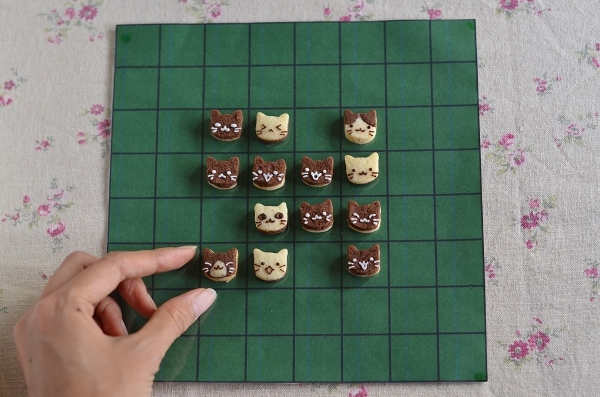 世界猫の日 猫オセロクッキー  Homemade Cat\'s Othello Cookies on International Cat Day_d0025294_13134348.jpg