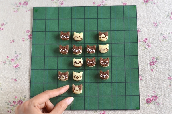 世界猫の日 猫オセロクッキー  Homemade Cat\'s Othello Cookies on International Cat Day_d0025294_13142289.jpg