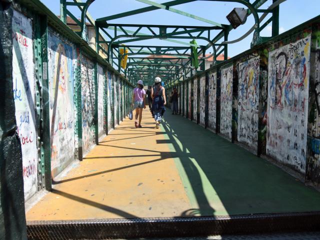 Naviglio a Milano 運河の残るナヴィリオ地区_d0262144_09345036.jpg