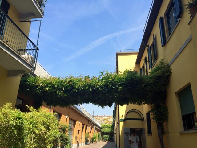 Naviglio a Milano 運河の残るナヴィリオ地区_d0262144_09345179.jpg