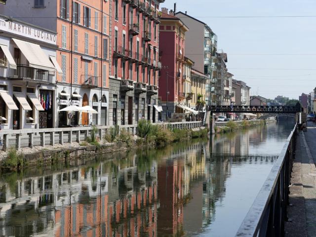 Naviglio a Milano 運河の残るナヴィリオ地区_d0262144_09345259.jpg