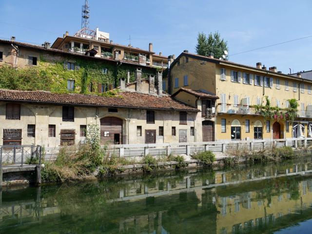 Naviglio a Milano 運河の残るナヴィリオ地区_d0262144_09345374.jpg