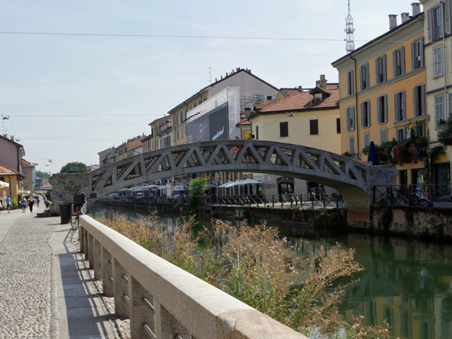 Naviglio a Milano 運河の残るナヴィリオ地区_d0262144_09345587.jpg