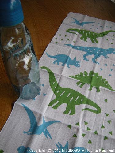 ラムネと恐竜_d0255366_13030269.jpg
