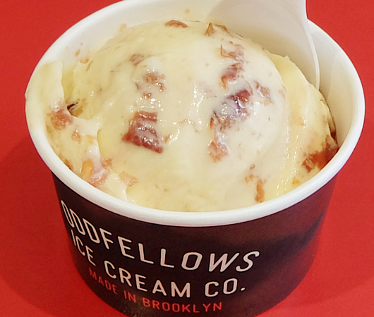 ちょっと変わったフレーバーのアイスのお店 OddFellows Ice Cream_b0007805_23142677.jpg