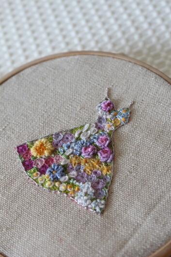 刺繍 「花いっぱいのドレス」にチャレンジ!_c0141025_00041826.jpg